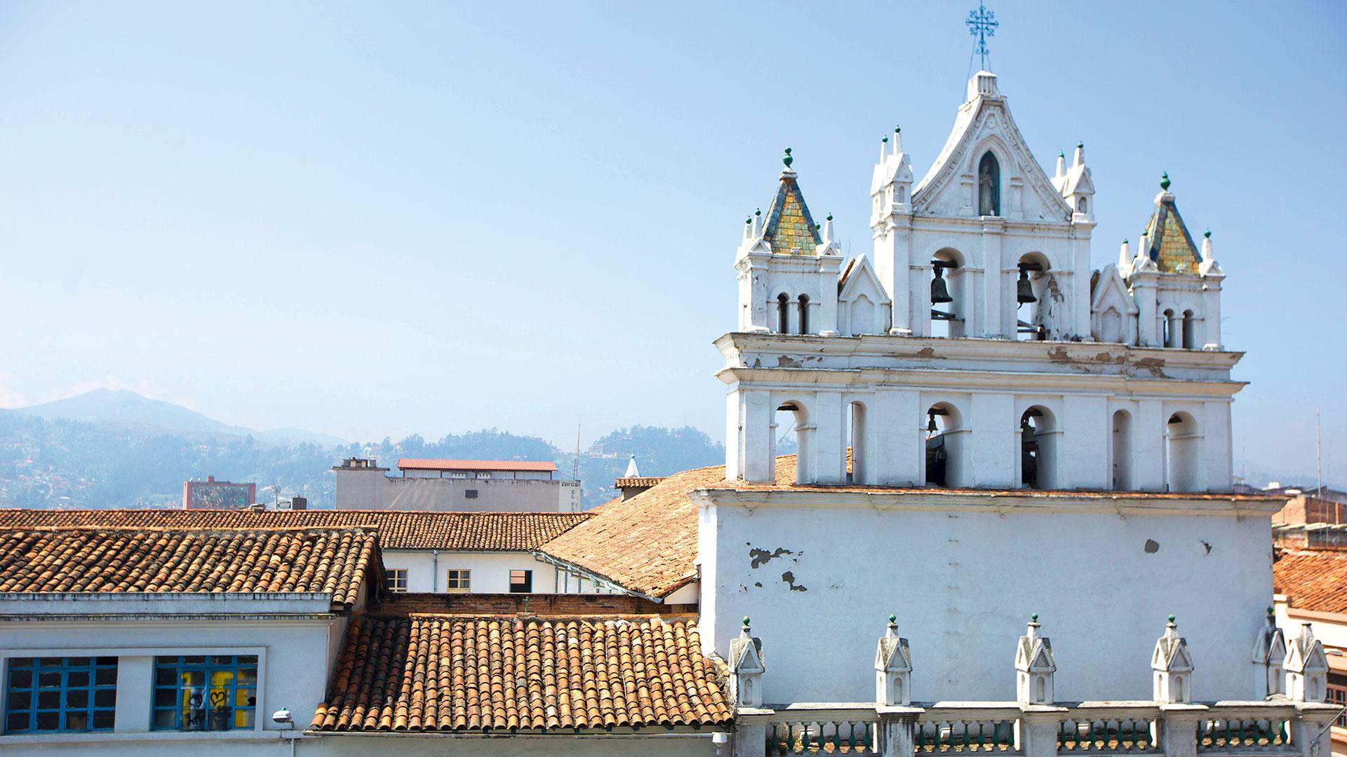 Ñan Magazine - El campanario de la iglesia de Las Conceptas mira a Cuenca desde los 1600s